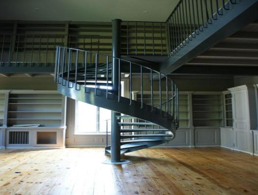 Spiral staircase height 3 meters
