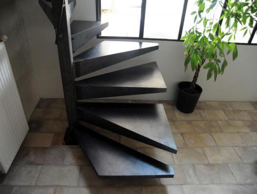 Escalier hélicoïdal carré