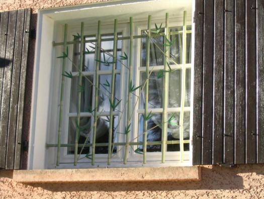 """Grille de fenêtre """"Bambous""""... Finition par peinture au petit pinceau"""